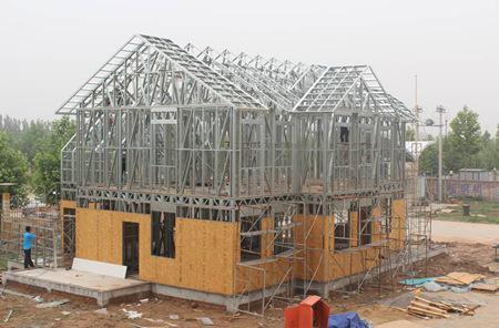 卷材防水,水泥纤维挂板复合保温外墙,石膏板内墙,铝合金门窗等材料.